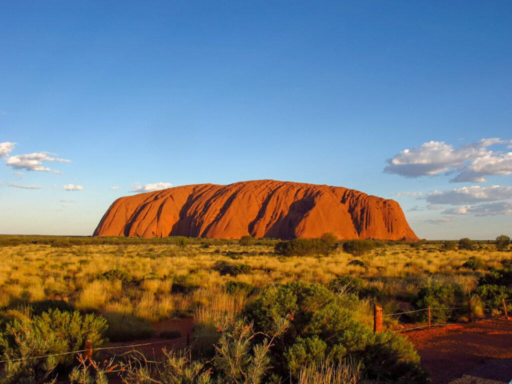 zachód słońca nad Ayers Rock-Uluru w Australii